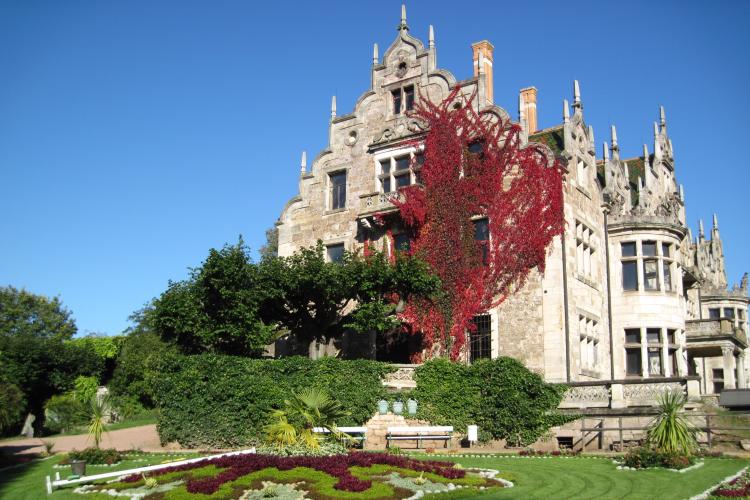 Die Südfassade von Schloss Altenstein